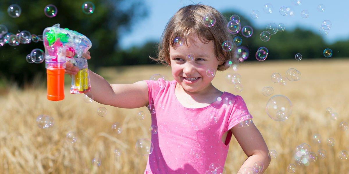 Seifenblasenpistolen für Kinder, die Welt der bunten Blasen