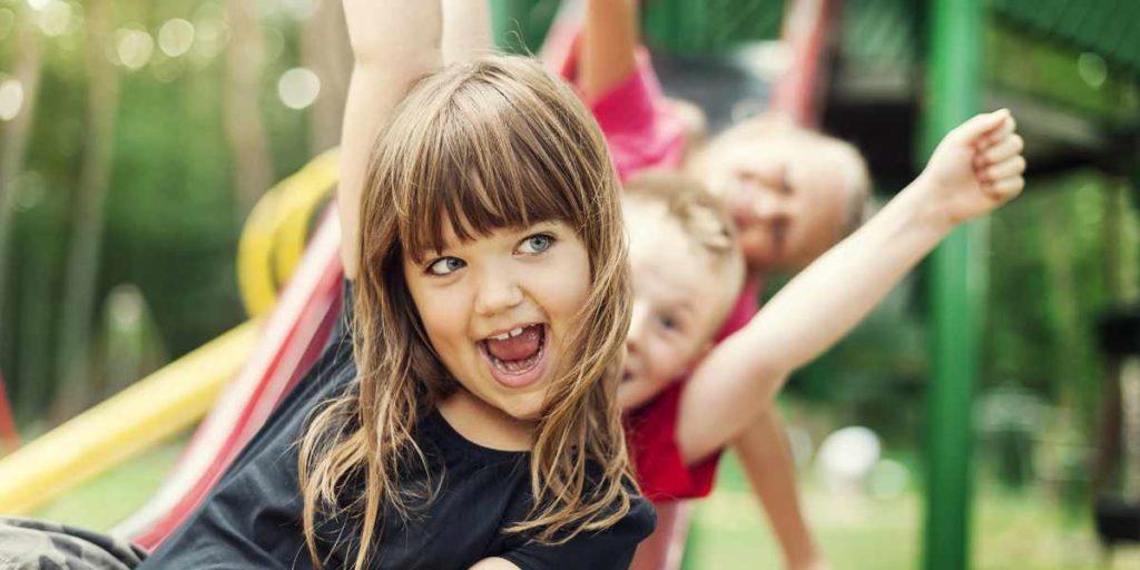 Der große Kinderspaß im Garten - Die Kinderrutsche