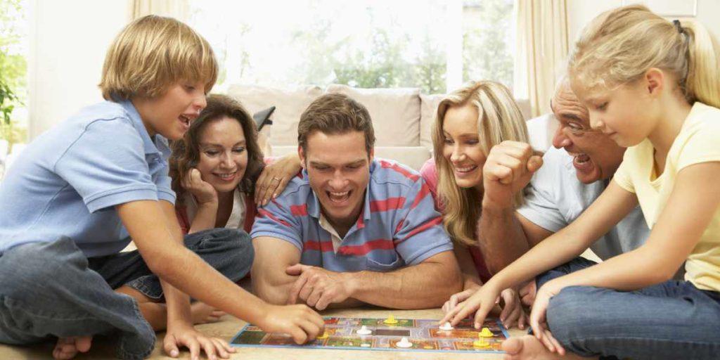 Es muss nicht immer das Tablet sein. Mit den Kinderspielen des Jahres haben Familien ihren Spaß