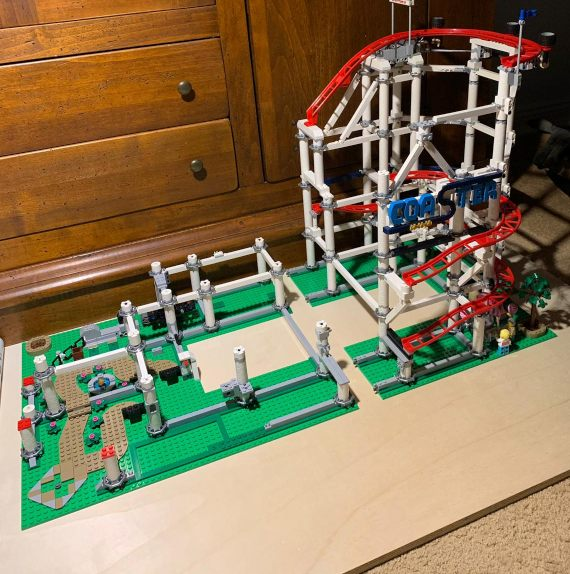 Langsam kann man es erkennen, es wird die Lego Creator Achterbahn