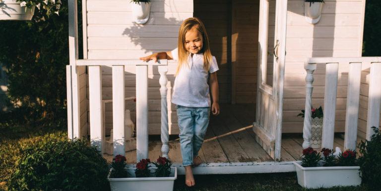 Das Kinder Gartenhaus eignet sich großartig zum zurückziehen und Spielen