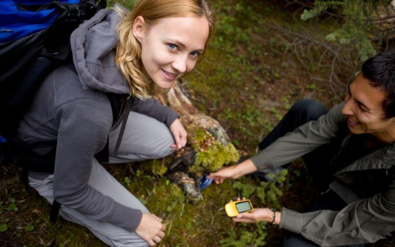 Herbst Aktivität mit Kindern Geocaching