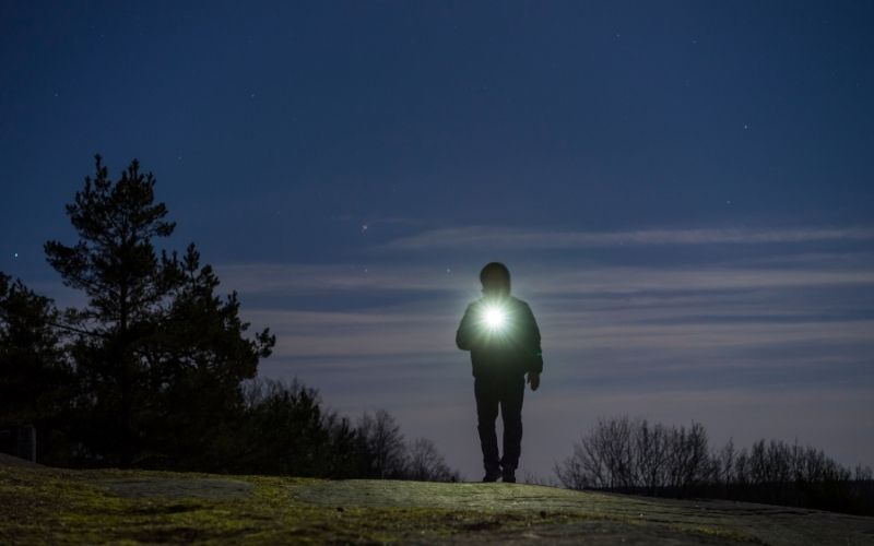 Herbst Aktivität mit Kindern Nachtwanderung