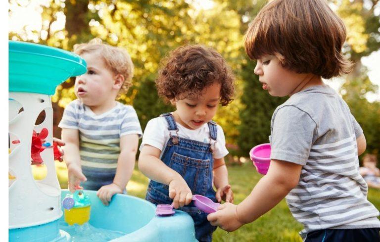 Wasserspieltisch für Kinder